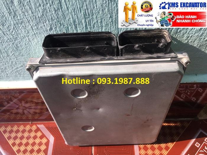 Hộp đen máy xúc Hitachi Zaxis ZX200-3 bãi và mới