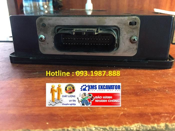 Hộp đen máy xúc Hitachi ZX200-5G hộp bãi