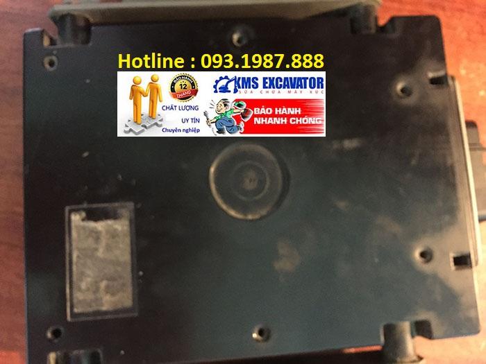 Hộp đen máy xúc Hitachi Zaxis ZX200-5G hộp bãi