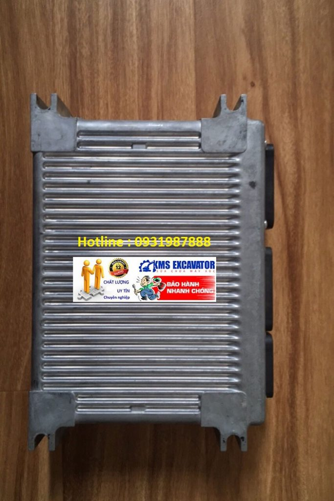 Hộp đen máy xúc komatsu PC300-7 bãi đẹp