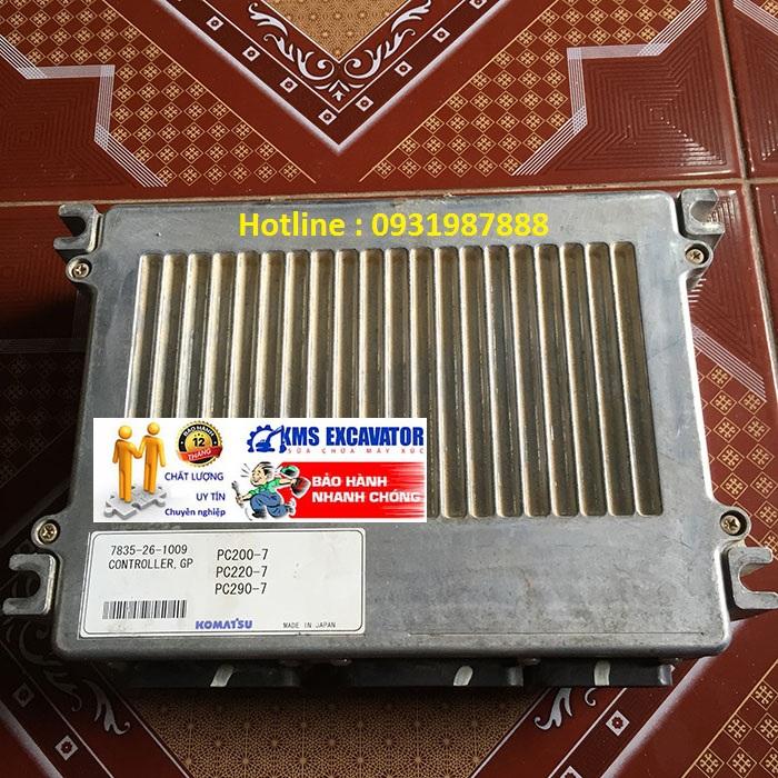 Hộp đen máy xúc komatsu PC200-7 bãi