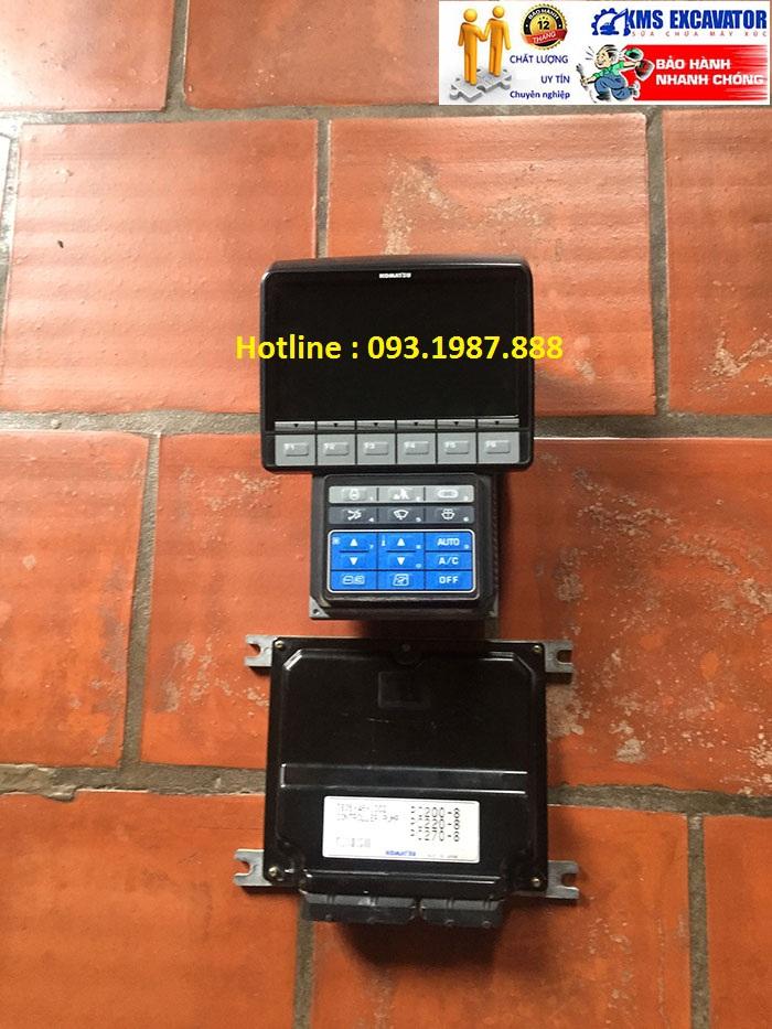 Màn hình và Hộp đen máy xúc komatsu pc200-8-may-xuc-komatsu-pc200-8