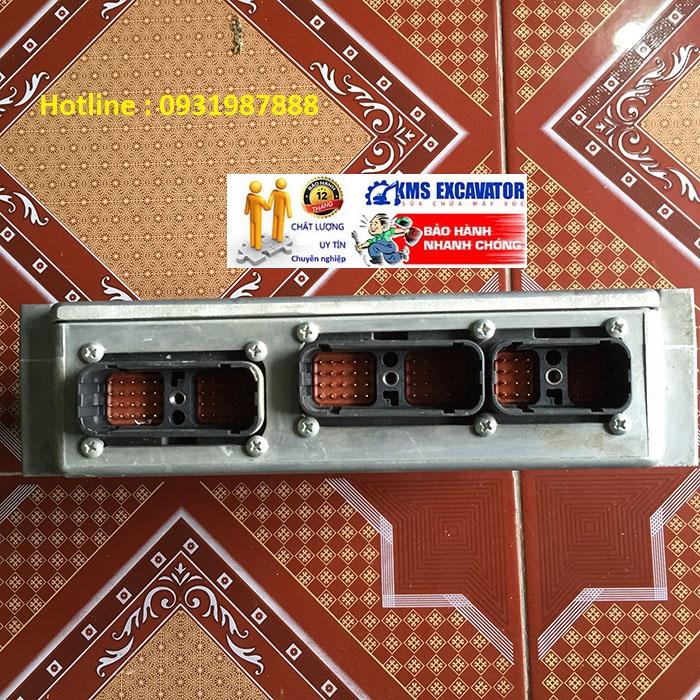 Hộp đen máy xúc komatsu PC200-7 bãi đẹp