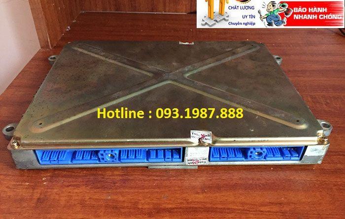 Hộp đen máy xúc Hitachi EX200-5 bãi giá rẻ