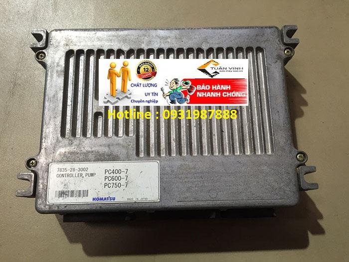 Hộp đen máy xúc Komatsu PC400-7 chính hãng bãi và mới