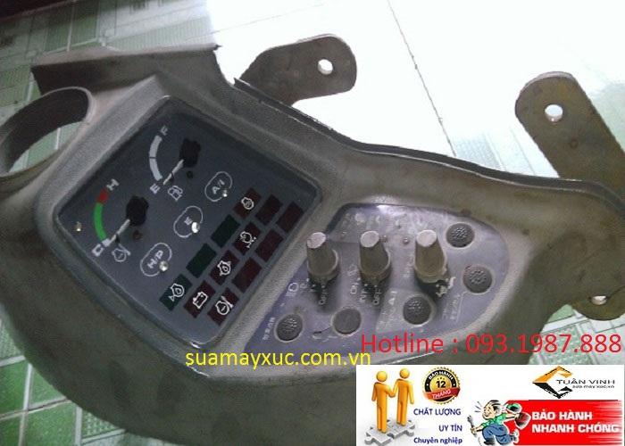 Màn hình máy xúc Hitachi EX200-5 chính hãng bãi và mới