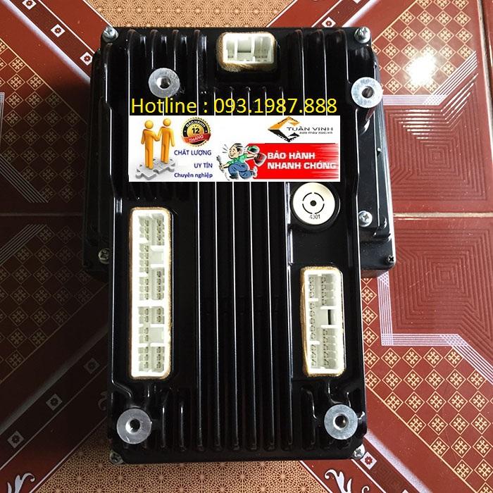 Màn hình máy xúc Komatsu PC200-8MO bãi chính hãng