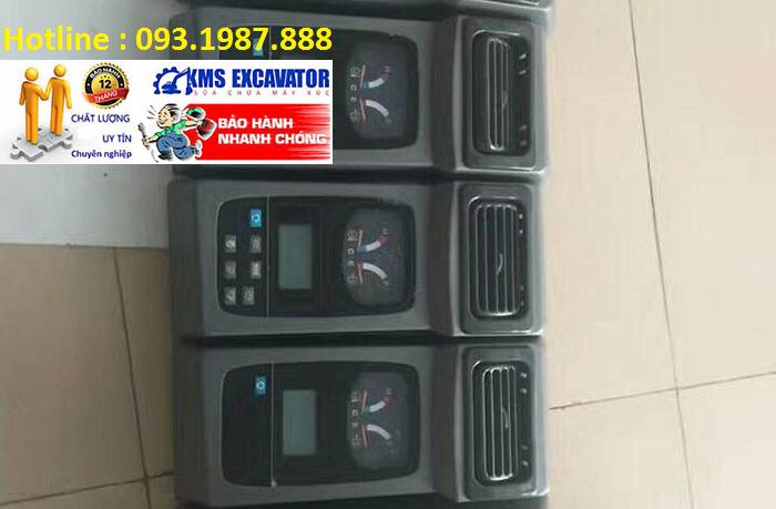 Màn hình máy xúc kobelco sk200-6 chính hãng