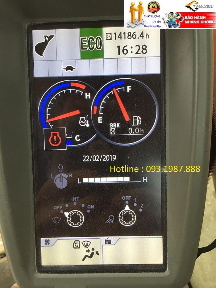 Kiểm tra Màn hình máy xúc Hitachi Zx200-5G