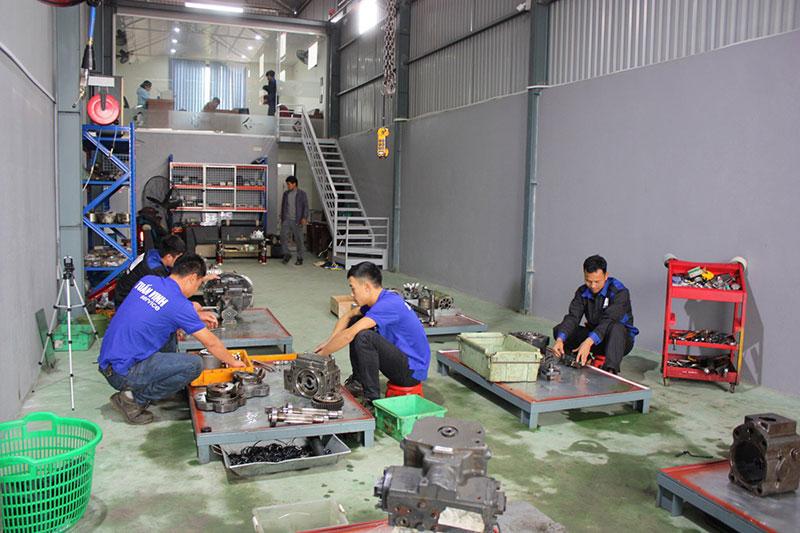 Xưởng sửa chữa máy công trình tuấn vinh thạch thất